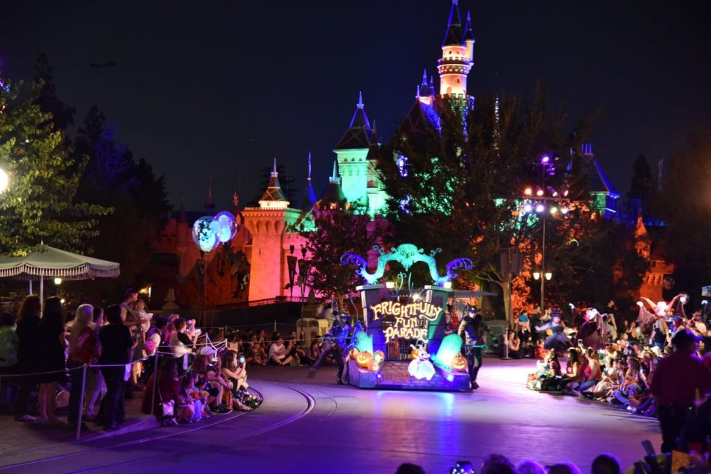 mickeys-frightfully-fun-parade