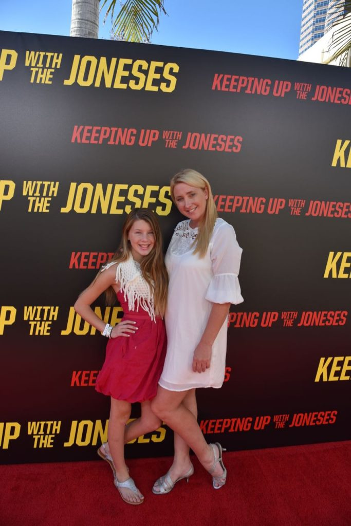 shelby-and-ella-at-the-keeping-up-with-the-joneses-premiere
