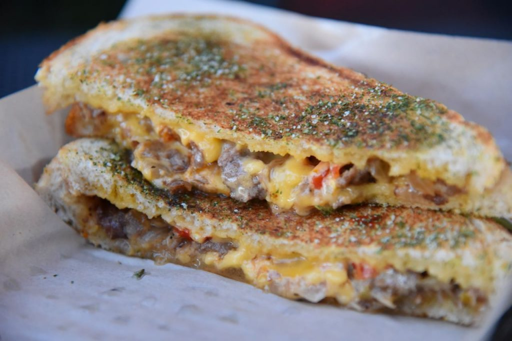 steak-grilled-cheese-at-the-melt