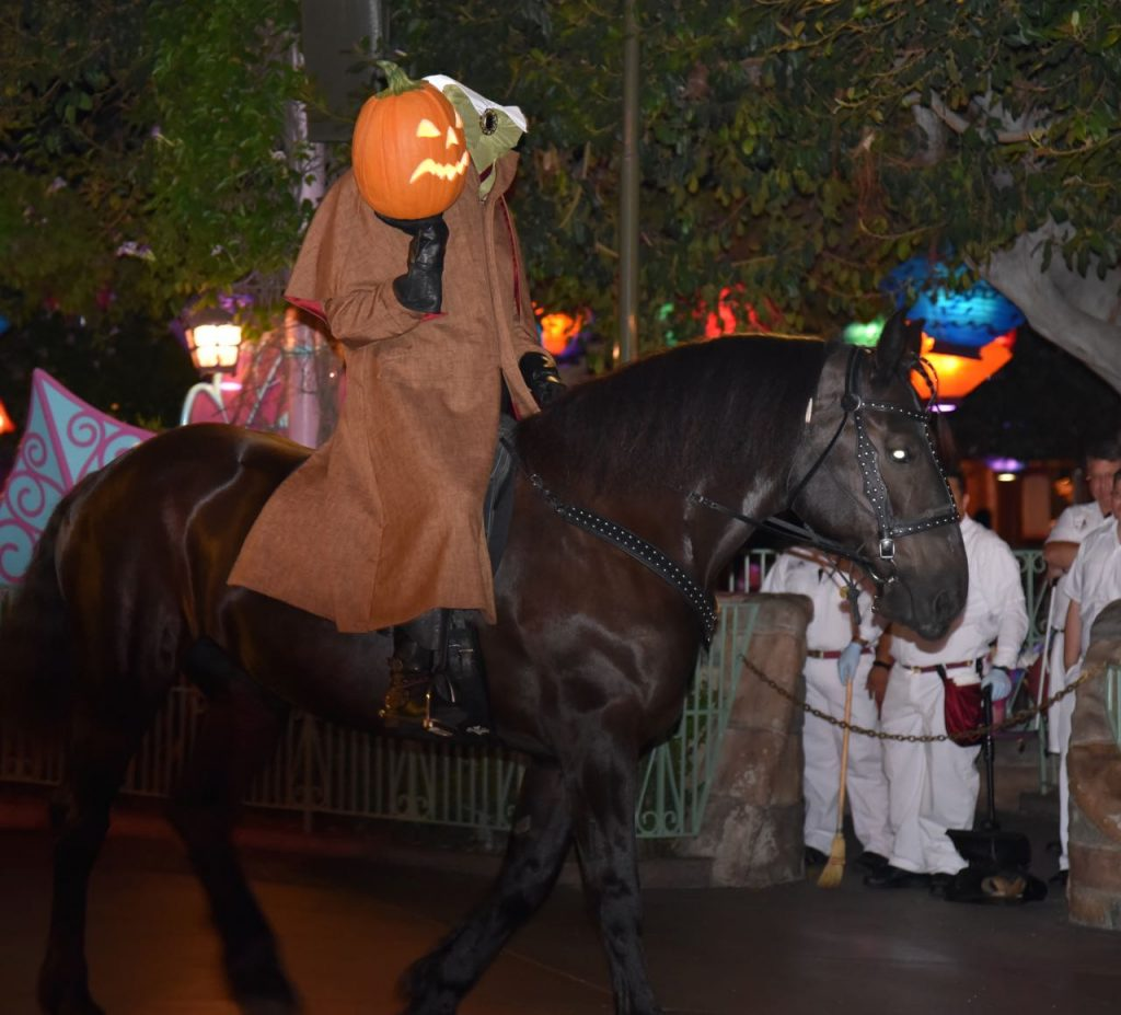 the-headless-horseman-at-disneyland