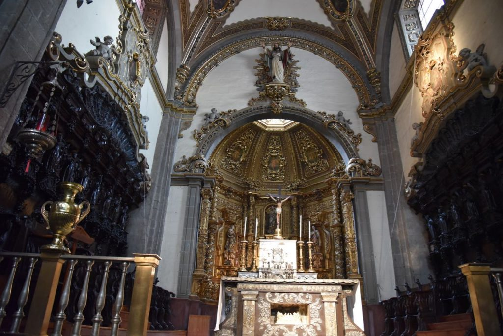 The beautiful interior of The Old Basilica of Our Lady of Guadalupe