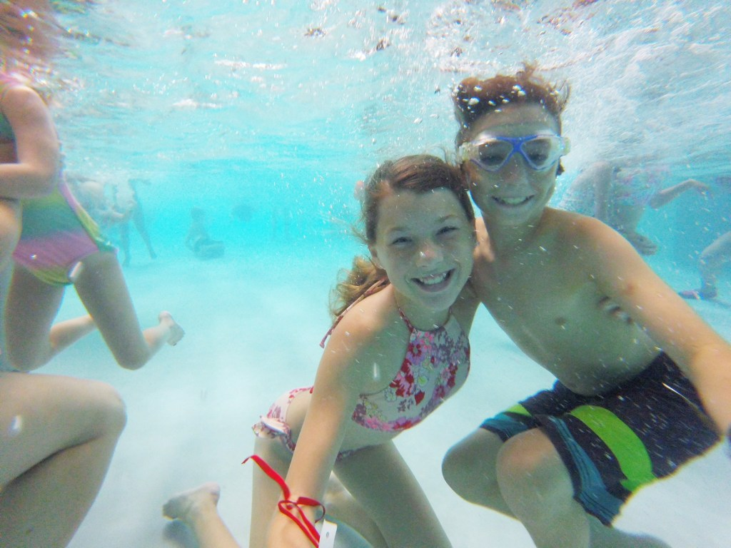underwater-fun-at-great-wolf-lodge