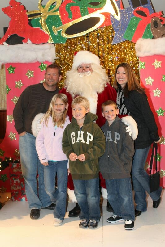 family-at-irvine-park-railroad-christmas-train