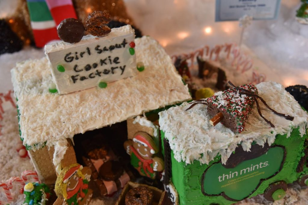 Girl Scout Gingerbread at Discovery Cube OC #DCOCwinter