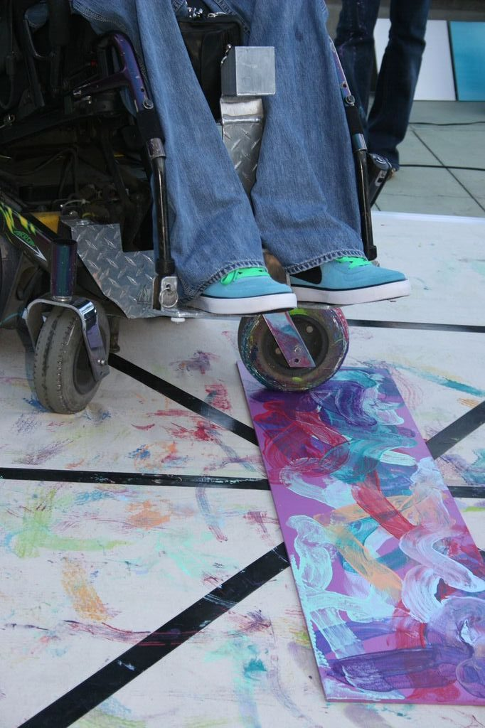 Painting from a wheel chair at the Aquarium of the Pacific