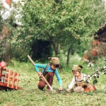 Five Ways to Help Your Kid Socialize This Summer