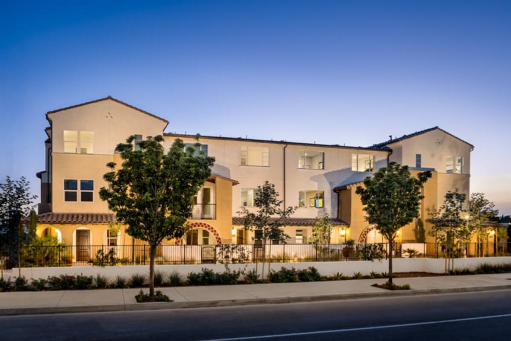 District Walk in Anaheim townhomes