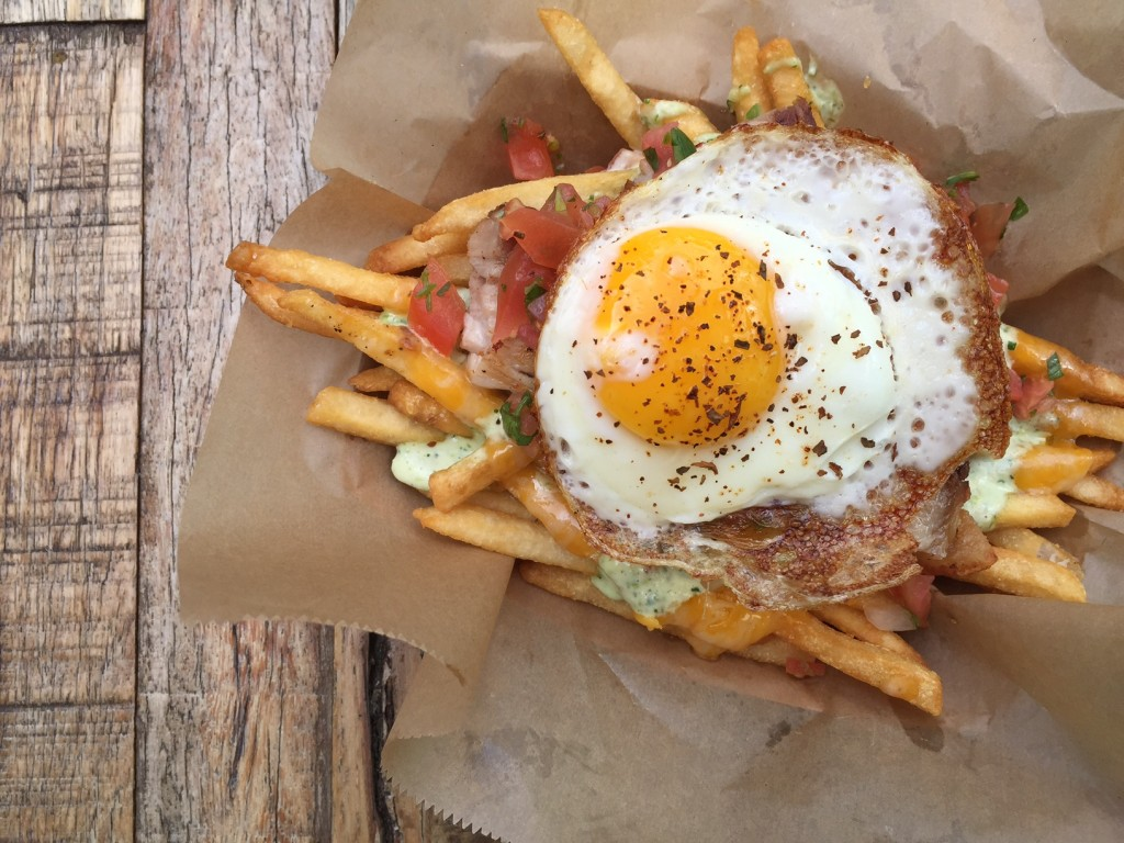 Fries with fried egg
