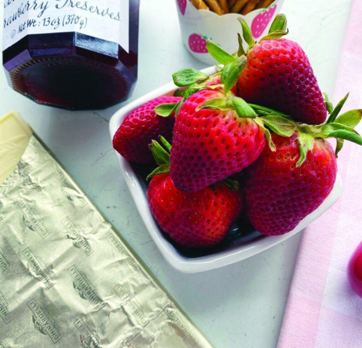 Strawberry Pretzel Sundae Ice Cream