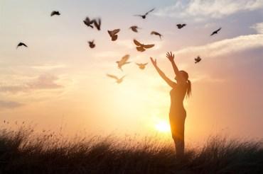 L'hypnose de régression, une voie de transformation au présent