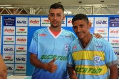 thumbnail_JPFC_Apresentação do elenco_21-01-2017_Jogadores assinam contrados e vestem novas camisas_Foto Chico Limeira (7)
