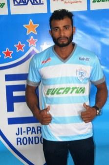 thumbnail_JPFC_Apresentação do elenco_21-01-2017_Jogadores assinam contrados e vestem novas camisas_Foto Chico Limeira (8)
