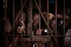 Sarh Monserey (centro) entrou em Pademba em 2007. Ele foi preso aos 13 anos de idade por assassinato. Sarh tinha ido ao rio com seu melhor amigo quando este se afogou. A família da criança acusou Sarh de assassinato e ele tem perdido os últimos quatro anos em prisão esperando o fim do seu processo. Agora, com 20 anos de idade, Sarh será liberado em 4 de Julho, 2013. A Free Minor Africa e o Saint Michael Center demonstram vontade em ajudar Sarh em seu retorno a sociedade.