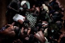 O jogo de damas é muito popular entre os homens e meninos em Pademba. Às Vezes eles usam a dinheiro falso para apostar nos jogos, qual normalmente resulta em discussão séria e briga.