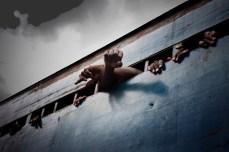 Toda manhã dúzias de homens e meninos do Pandemba Road Prison são levado à corte. Isto não quer dizer que eles serão julgados, o que pode levar anos para acontecer. A juventude de Abdul Karim Essay pode ser consumida por vários anos em Pademba, até que ele receba uma sentença.