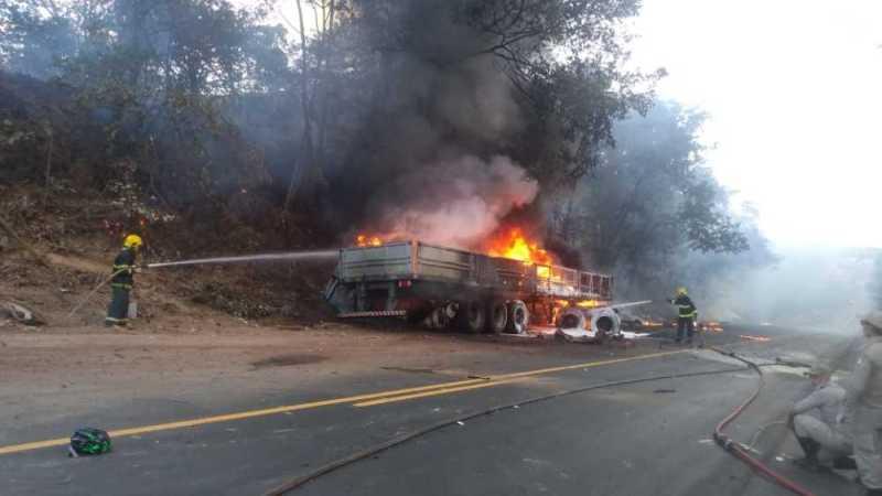 Acidente mata dois ciclistas na TO-080 saída de Paraíso para Palmas