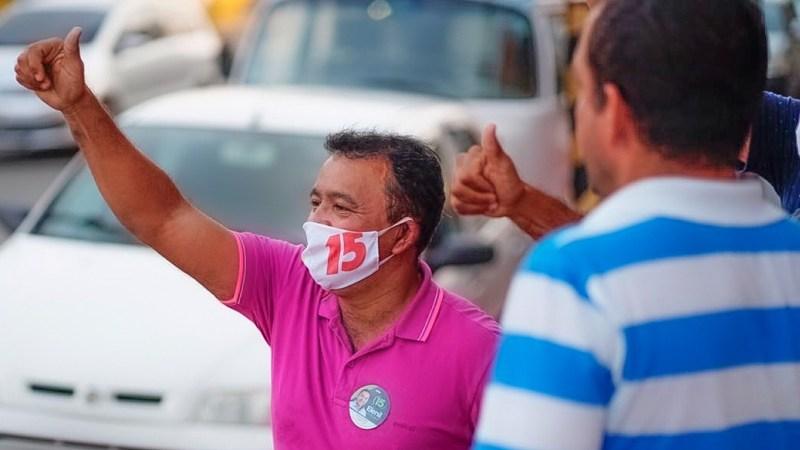 Elenil recebe apoio popular em caminhadas pelos bairros de Araguaína