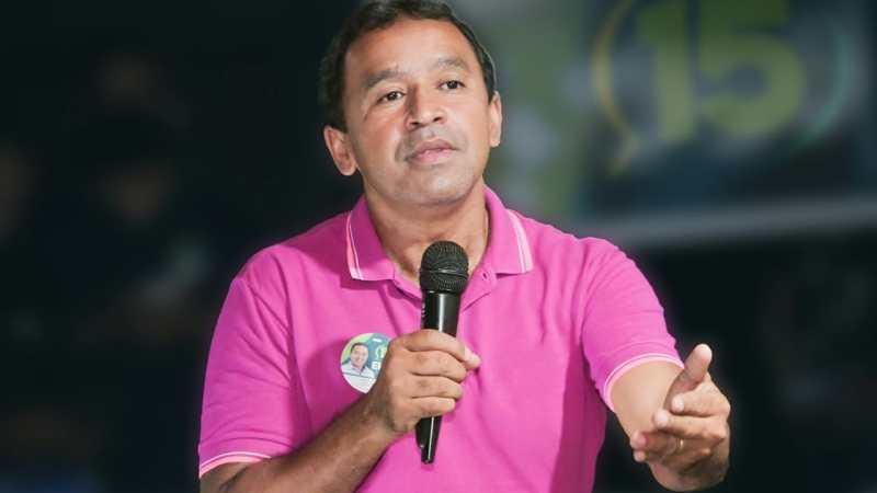 Elenil faz compromisso de construir novo cemitério público para Araguaína
