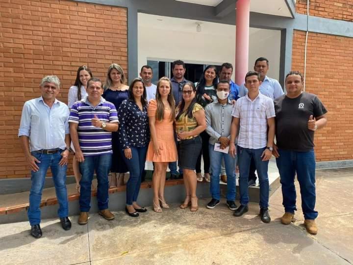 Em Abreulândia, Manoel Moura reúne secretariado para planejar ações