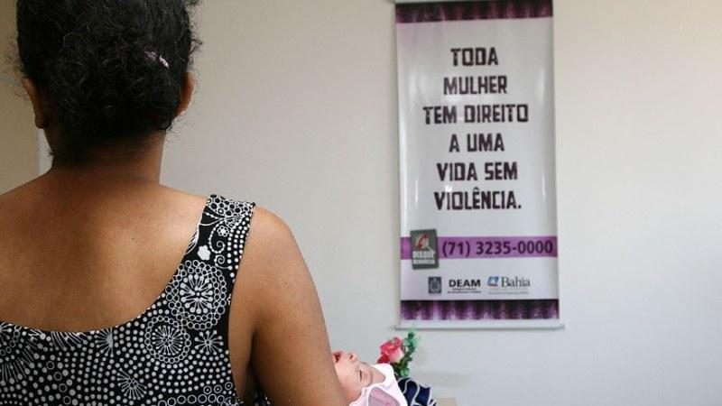 Relatório indica desafios para políticas de combate à violência contra a mulher