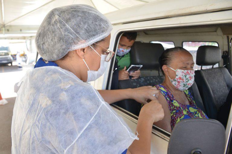 Vacinação em Aparecida de Goiânia é retomada e idosos acima de 61 anos podem se vacinar neste sábado