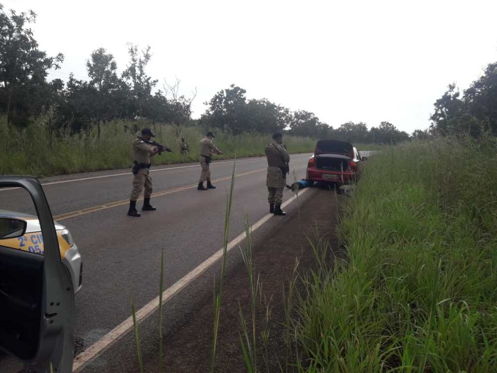 Na rodovia TO-040, veículo roubado em Palmas é recuperado e autor é preso próximo a Dianópolis