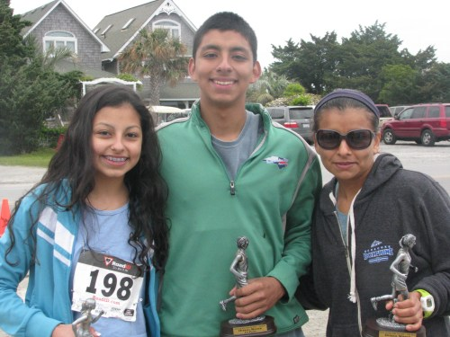 Karen, Kevin & Mom Lulu Perez 2015-04-25 09.48.33
