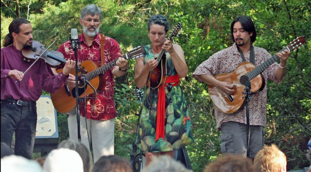 Molasses Creek: Fiddler Dave, Gary Mitchell, Marcy Brenner and Lou Castro. Photo by P. Vankevich