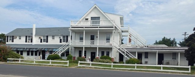 The Island Inn, Ocracoke NC, on Lighthouse Road. Photo: Peter Vankevich