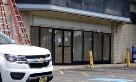 TR: 7-11 Closes Abruptly