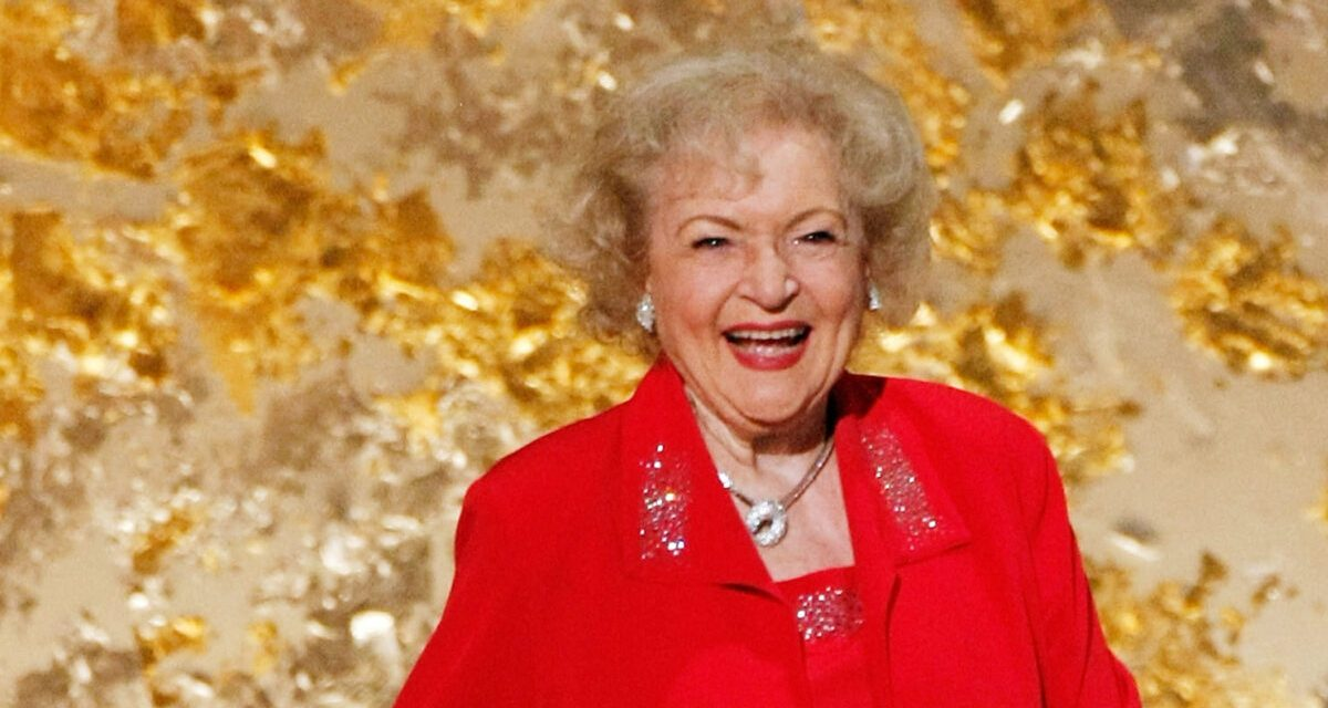 Happy 98th Birthday Betty White!!