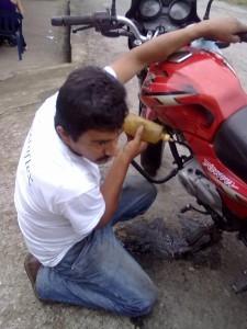 ensayando moto 4 T para uso bioetanol
