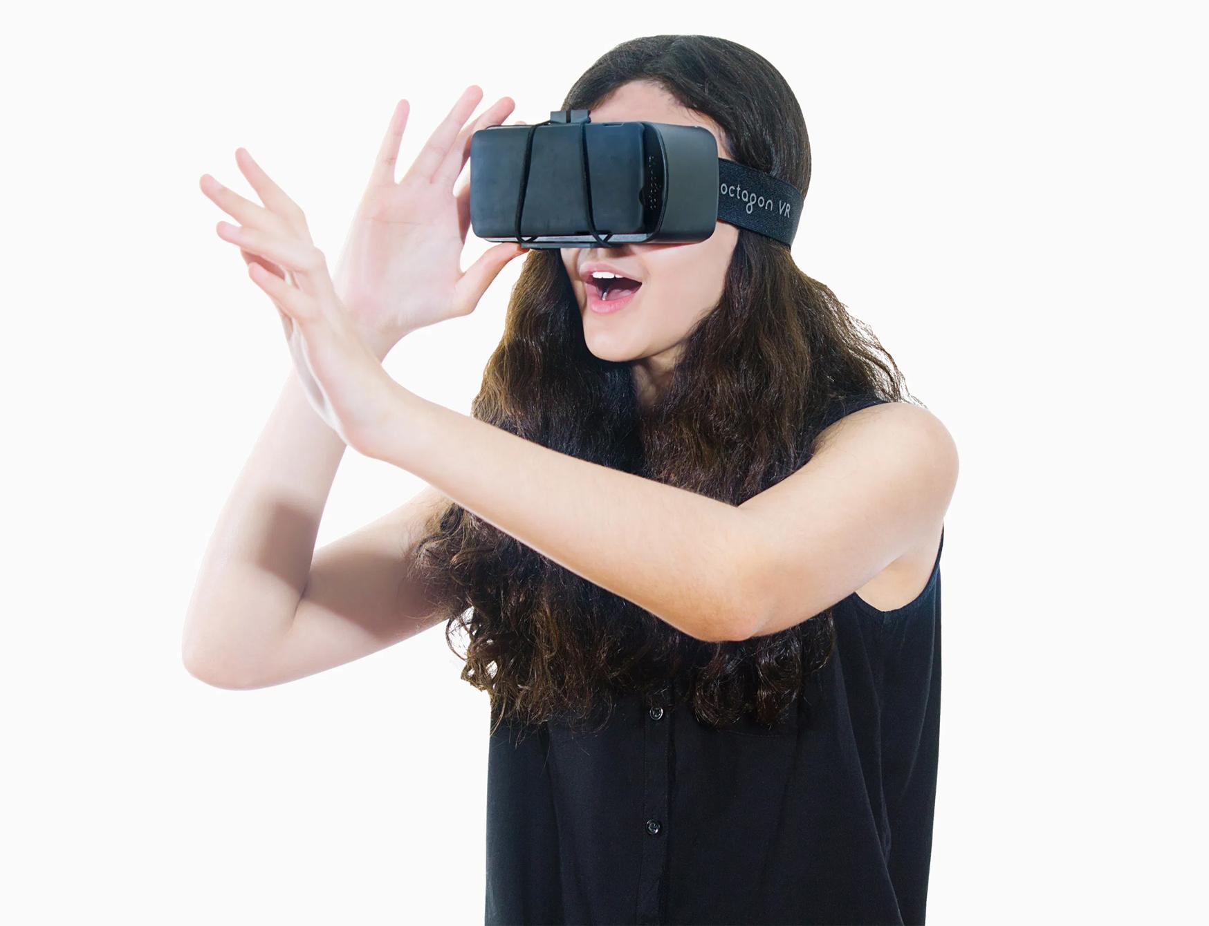 VR Headset – Immersive Multimedia in Entertainment