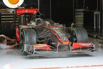 World © Octane Photographic. Belgian GP - Spa Francorchamps, Pitlane, 27th August 2009. Lewis Hamilton, McLaren MP4/24. Digital Ref :