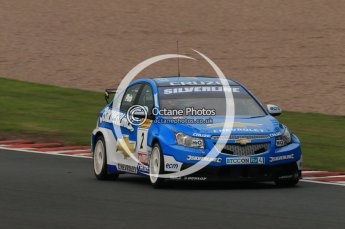 © Octane Photographic Ltd. 2010. British Touring Car Championship – Oulton Park. Saturday 5th June 2010. Digital Ref : 0125CB1D1008