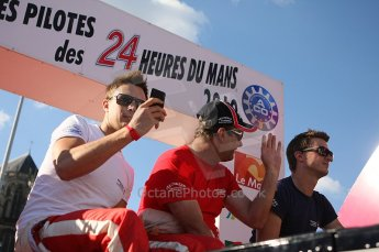 2010 Le Mans 24 Hour (24 Heures du Mans), 11th June 2010. Drivers' parade. Beechdean Mansell - Greg Mansell, Nigel Mansell. Digital ref : LW40D2947
