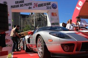 2010 Le Mans 24 Hour (24 Heures du Mans), 11th June 2010. Drivers' parade Ford GT. Digital ref : CB5D3182