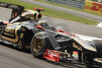 © Octane Photographic Ltd. 2011. Formula 1 World Championship – Italy – Monza – 11th September 2011 Bruno Senna, Renault R31 – Race outlap – Digital Ref :  0177CB7D7697
