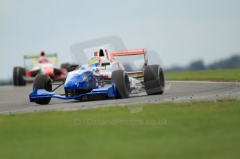 © Octane Photographic Ltd. 2011. Formula Renault 2.0 UK – Snetterton 300, Oliver Rowland - Fortec Motorsports followed by Will Stevens - Fortec Competition. Saturday 6th August 2011. Digital Ref : 0122CB7D8948