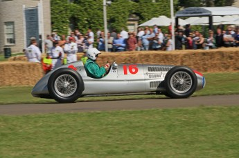 © Octane Photographic 2011. Goodwood Festival of Speed, Historic F1 Mercedes, Friday 1st July 2011. Digital Ref : 0101CB1D7559