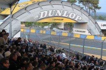 © Octane Photographic 2011. Le Mans night qualifying 9th June 2011. La Sarthe, France. Digital Ref : 0077CB1D0818