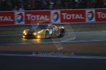 © Octane Photographic 2011. Le Mans night qualifying 9th June 2011. La Sarthe, France. Digital Ref : 0077CB7D0565