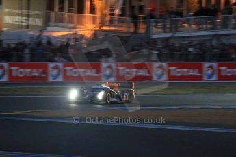 © Octane Photographic 2011. Le Mans night qualifying 9th June 2011. La Sarthe, France. Digital Ref : 0077LW7D4725