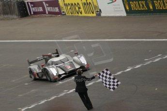 © Octane Photographic 2011. Le Mans finish line and podium - Sunday 11th June 2011. La Sarthe, France. Digital Ref : 0263cb1d3639