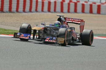World © Octane Photographic Ltd. F1 Spanish GP, Circuit de Catalunya, Friday 10th May 2013. Practice 2. Toro Rosso - Daniel Ricciardo. Digital Ref : 0661cb1d9448