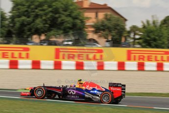 World © Octane Photographic Ltd. F1 Spanish GP, Circuit de Catalunya, Friday 10th May 2013. Practice 2. Infiniti Red Bull Racing - Mark Webber. Digital Ref : 0661cb7d8989