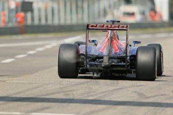 World © Octane Photographic Ltd. F1 Italian GP - Monza, Saturday 7th September 2013 - Qualifying. Scuderia Toro Rosso STR8 - Jean-Eric Vergne. Digital Ref :