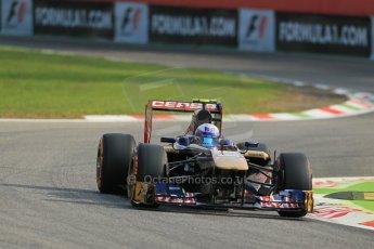 orld © Octane Photographic Ltd. F1 Italian GP - Monza, Friday 6th September 2013 - Practice 1. Scuderia Toro Rosso STR 8 - Daniel Ricciardo. Digital Ref : 0811lw1d1419