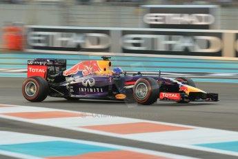 World © Octane Photographic Ltd. 2014 Formula 1 Abu Dhabi Grand Prix, F1 Qualifying, Saturday 22nd November 2014. Infiniti Red Bull Racing RB10 - Sebastian Vettel. Digital Ref : 1166CB1D8326
