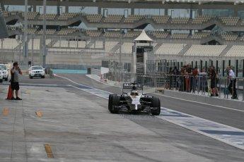 World © Octane Photographic Ltd. Tuesday 25th November 2014. Abu Dhabi Testing - Yas Marina Circuit. McLaren Honda MP4-29H/1X1 - Stoffel Vandoorne. Digital Ref: 1174LB1D8300
